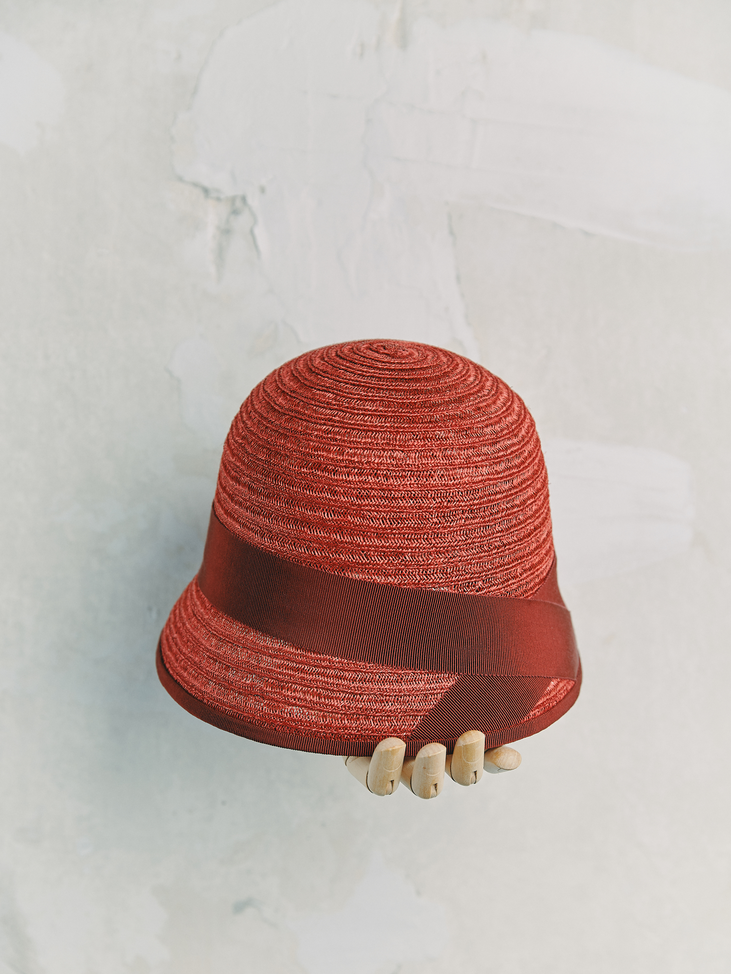 CHAPEAU CLOCHE - Rouge bordé ruban Rouge Cramoisi